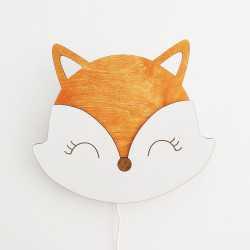 drewniana lampka dla dzieci lisek na ścianie