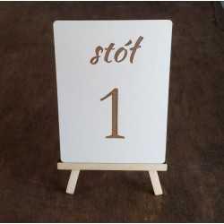 Drewniane numery stołów na...